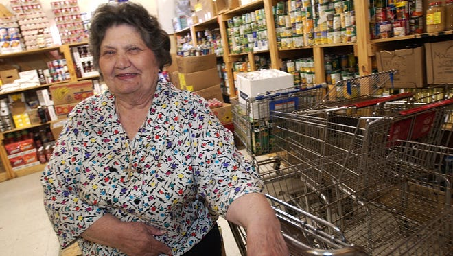 Olla Rae Chicola talks about Manna House in 2006. Chicola, one of the driving forces behind the soup kitchen, died this week.