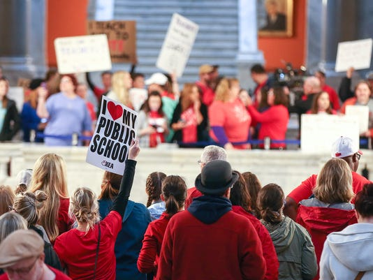 636580117736717827-TeacherProtest14.jpg