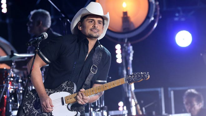 Brad Paisley performs Wednesday night at the awards show in Nashville.