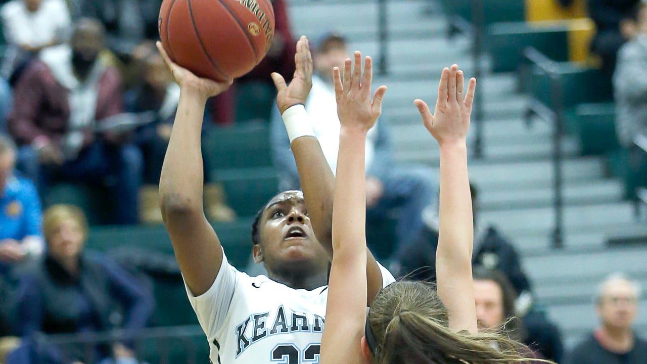 Bishop Kearney overcame a slow start to beat Orchard Park 58-39 in the state quarterfinals.  (March 10, 2018)