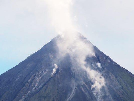 PHILIPPINES-VOLCANO-MAYON