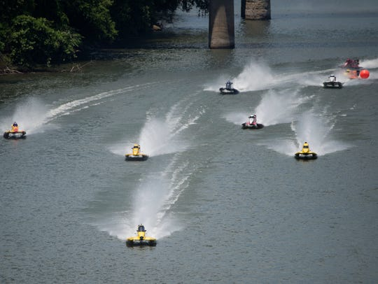 Boaters compete in the Thunder on the Cumberland event