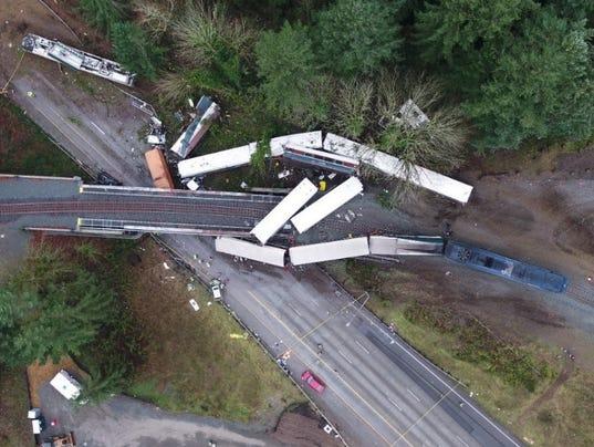 636507381863302134-amtrak-crash.jpg