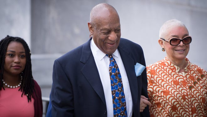 Bill Cosby arrives with his wife, Camille (R) at the Montgomery County Courthouse in Norristown, Pa., April 24, 2018, for closing statements at his sex-assault retrial.