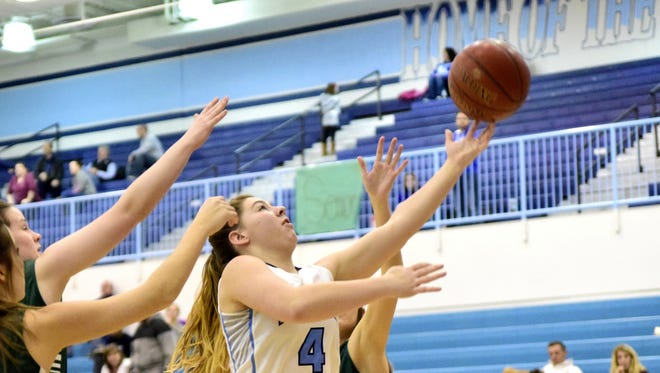 Tessa Gieske (4) of Boone County finds the basket.