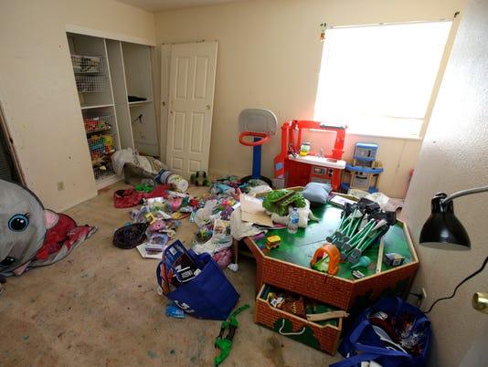 AP CHILDREN TORTURED A USA CA