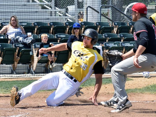 Shane Kotz of the Colt 45s scores on a wild pitch as