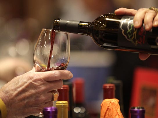 Wine pours