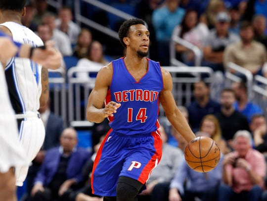 Apr 12, 2017; Orlando, FL, USA; Pistons guard Ish Smith