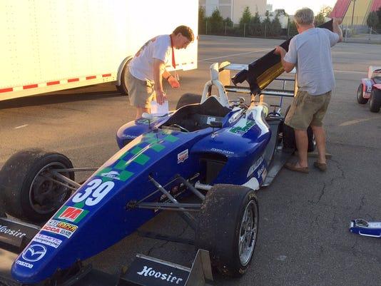 ELM 0625 RacingColumn_02