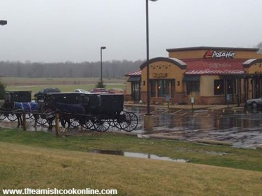Amish Cook pizzahutamish.jpg