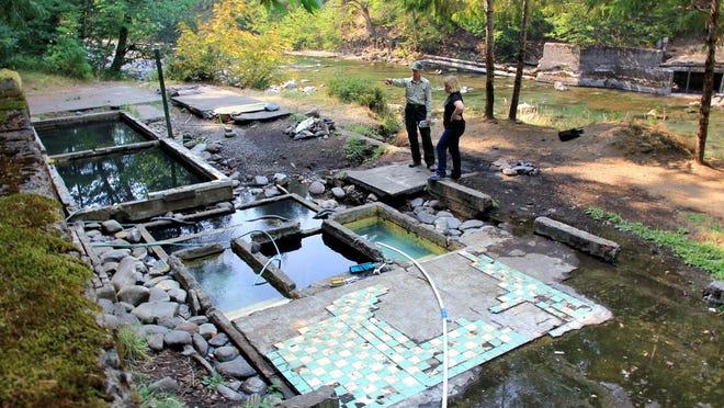 nackt am breitenbush hot springs fotos