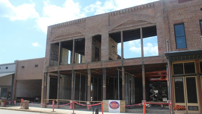Construction is continuing on the exterior of Arts on Main's new building in downtown Van Buren.