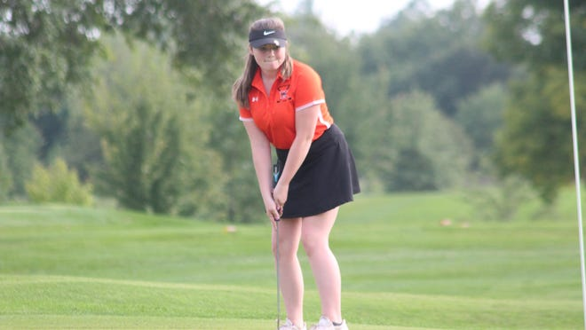 Kirksville's Delaney Maag putts during the first hole of her round Wednesday at Kirksville Country Club.