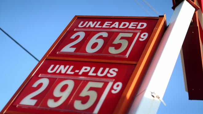A sign displays the price of gas at the U-gas station on December 8, 2014 in Miami, Florida. According to the AAA Monthly Gas Price Report, todays national average price of gas is $2.75 per gallon, which is the lowest average since Oct. 5, 2010.