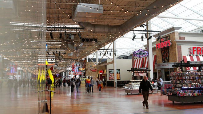 The Palisades Mall in West Nyack on May 15, 2013.  ( Ricky Flores / The Journal News )