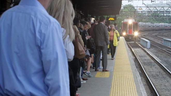 Forty Metro-North trains on the Harlem and New Haven lines were delayed Friday morning after thieves stole copper cables from the tracks in the Bronx.