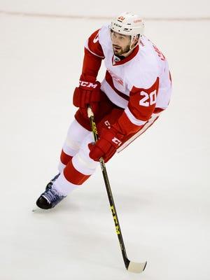 Detroit Red Wings forward Drew Miller skates against the Vancouver Canucks on Oct. 24, 2015.
