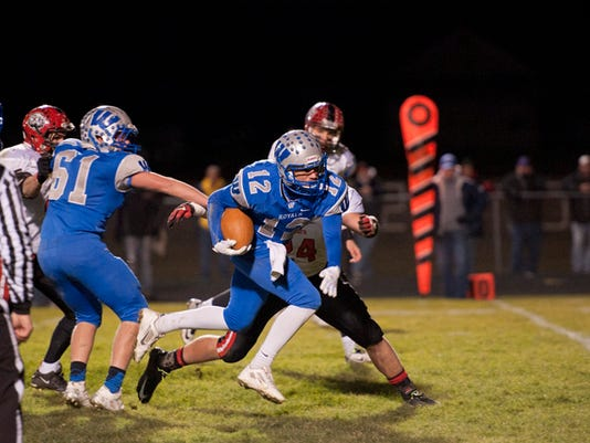 BUC 1107 Patience pays off for Wynford quarterback.jpg