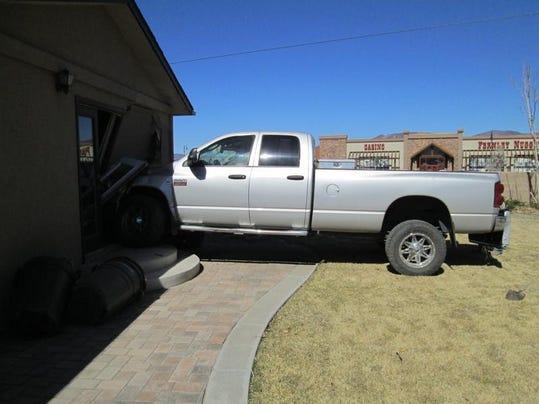-MV0326 State Farm truck 1.jpg_20140320.jpg