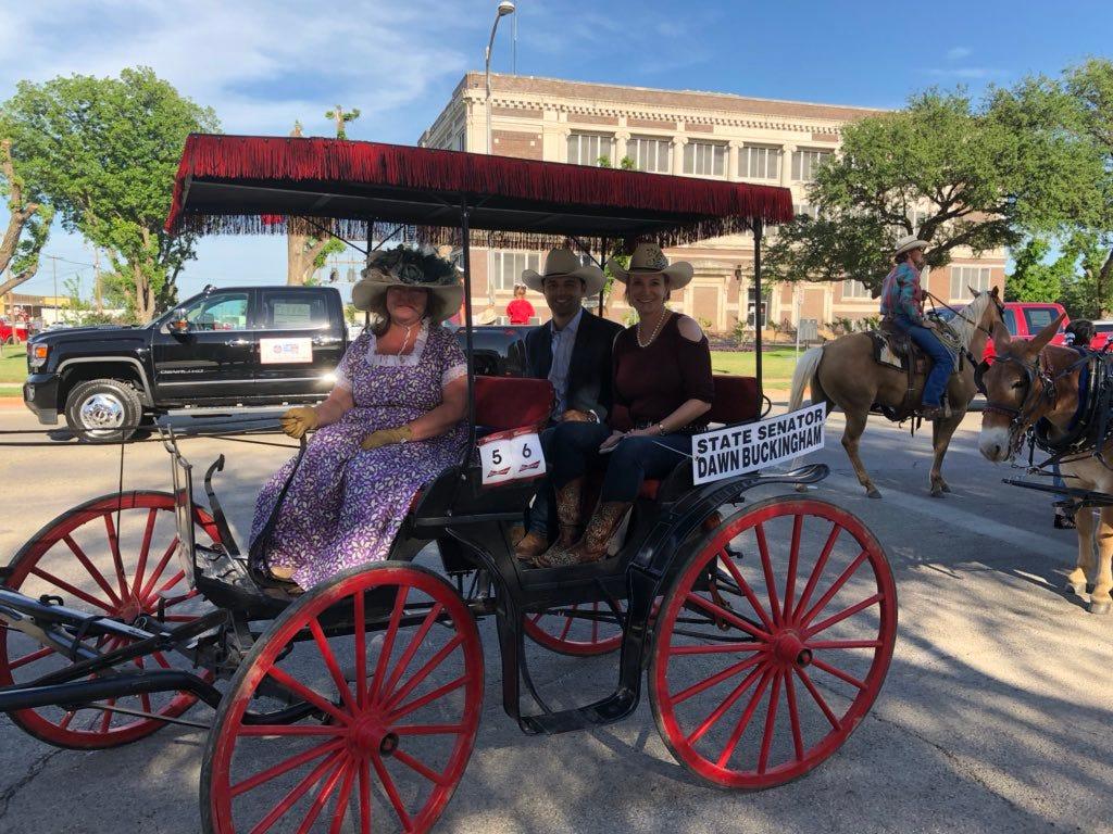 Buckingham unhurt in runaway buggy ride in