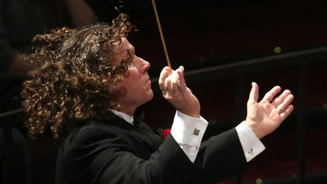 Dr. Mike Eckerty conducts the Simpson College Community Orchestra on Dec. 10, 2016.
