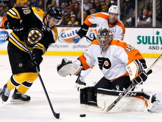 Flyers Bruins Hockey_Schu-1.jpg