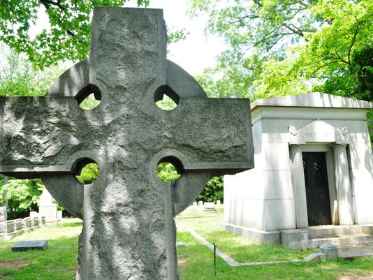 Riverside cemetery.JPG