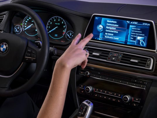 635597932992070435-BMW-Connected-Drive