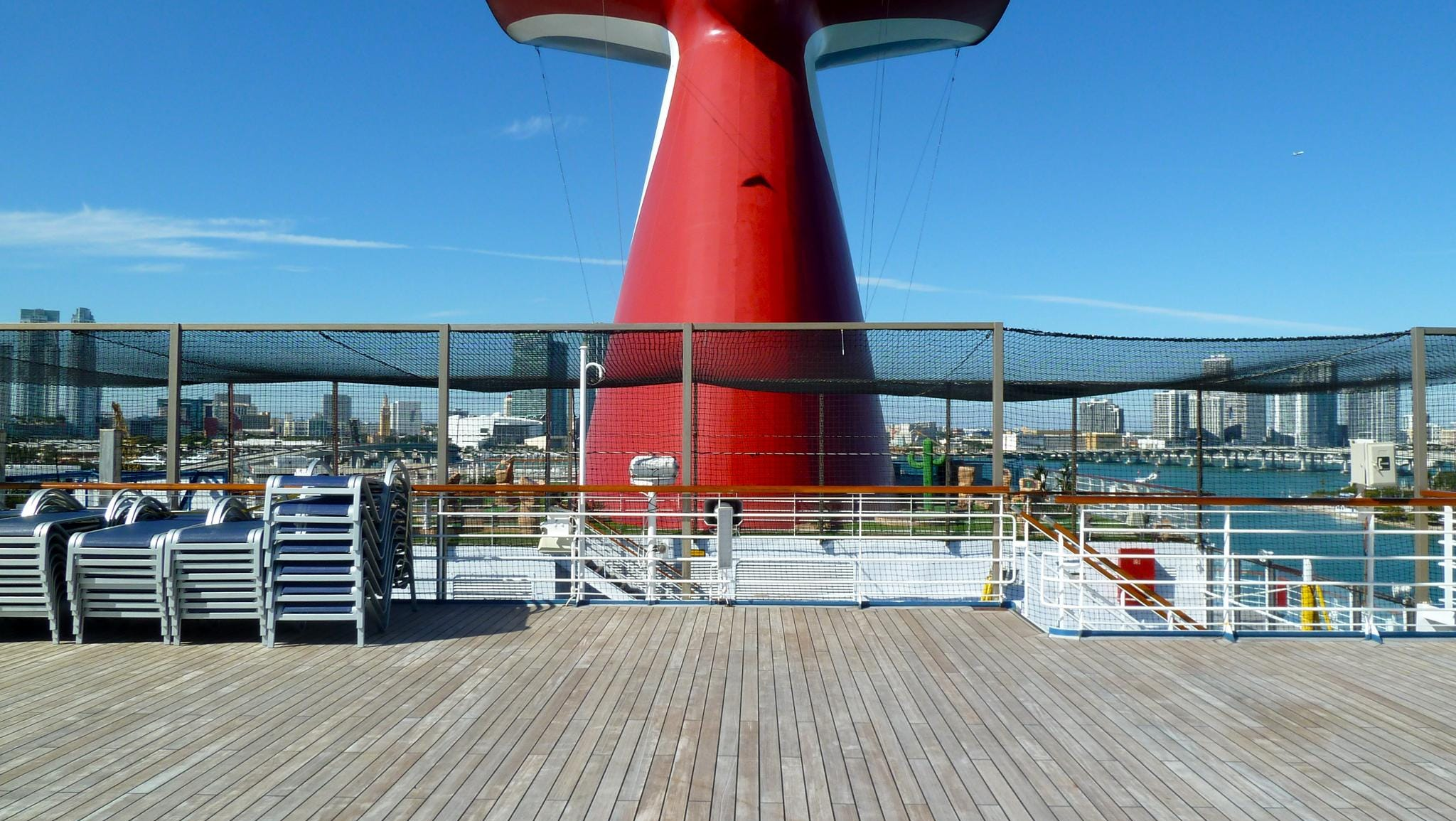 Deck 12 begins anew aft of the main pool area with a small observation platform.