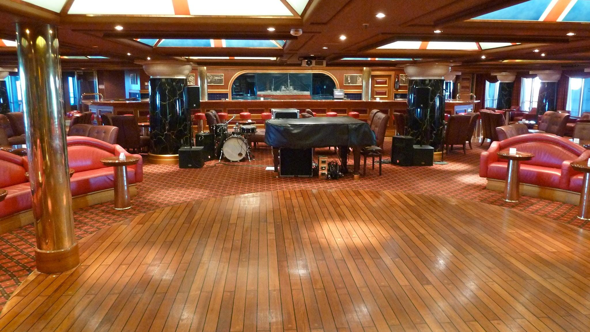 Winston's Cigar Bar is on Deck 4, just forward of the Glory Atrium. Seating 147 guests, it has paintings of World War One battle ships and a half-model battleship in a decorative nod to the former Prime Minister's fascination with the sea.
