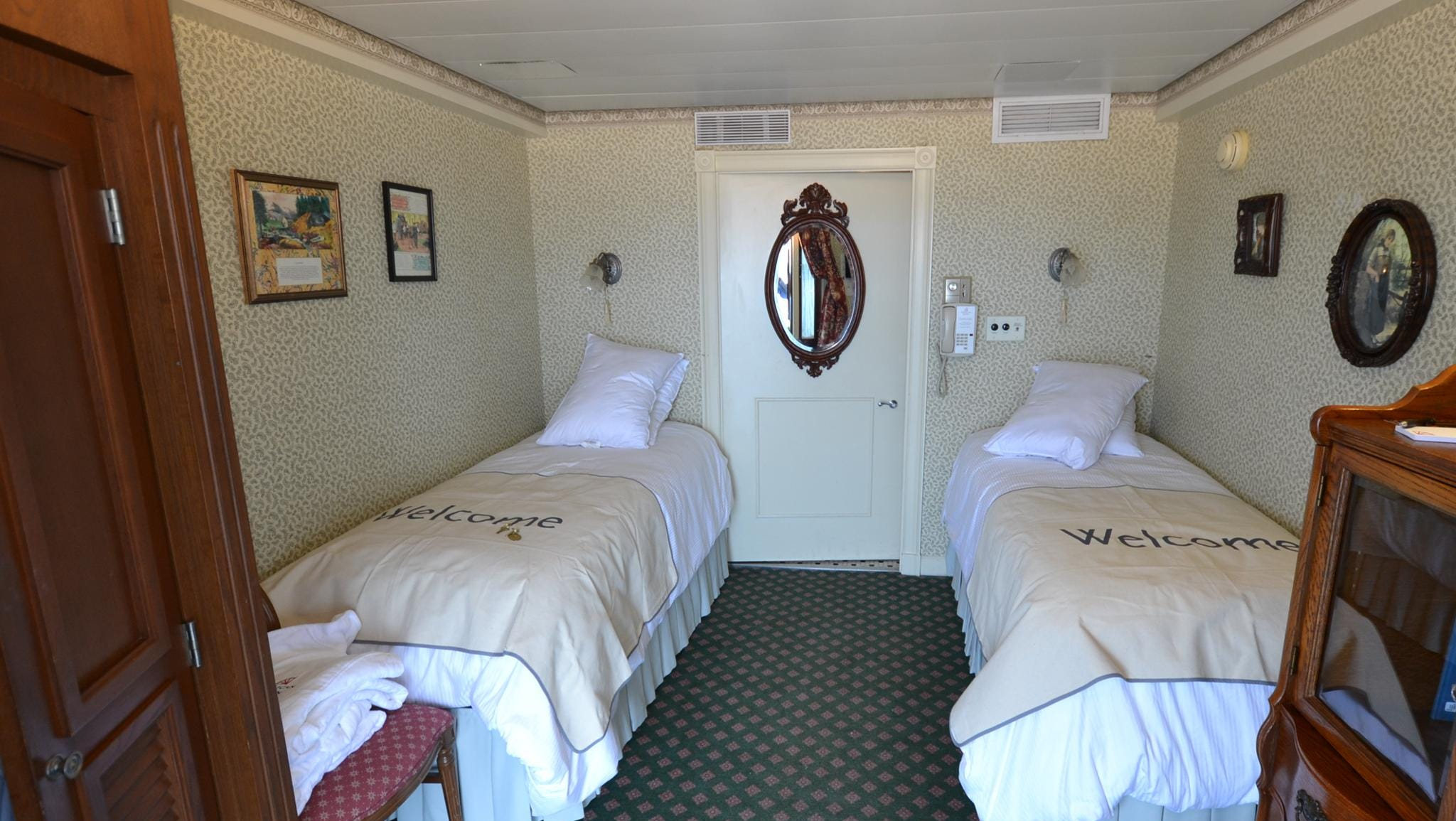 A view of another Deluxe Outside Statemroom with Veranda, the California room. Cabin decor varies from room to room.
