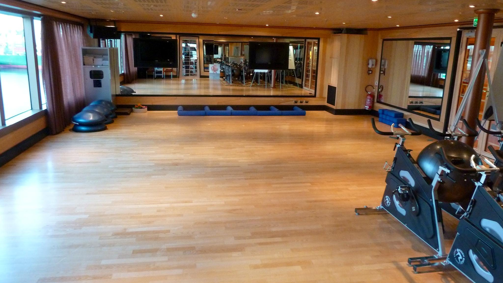 An aerobics and spinning room follows the gym on the starboard side of Magnolia Deck.