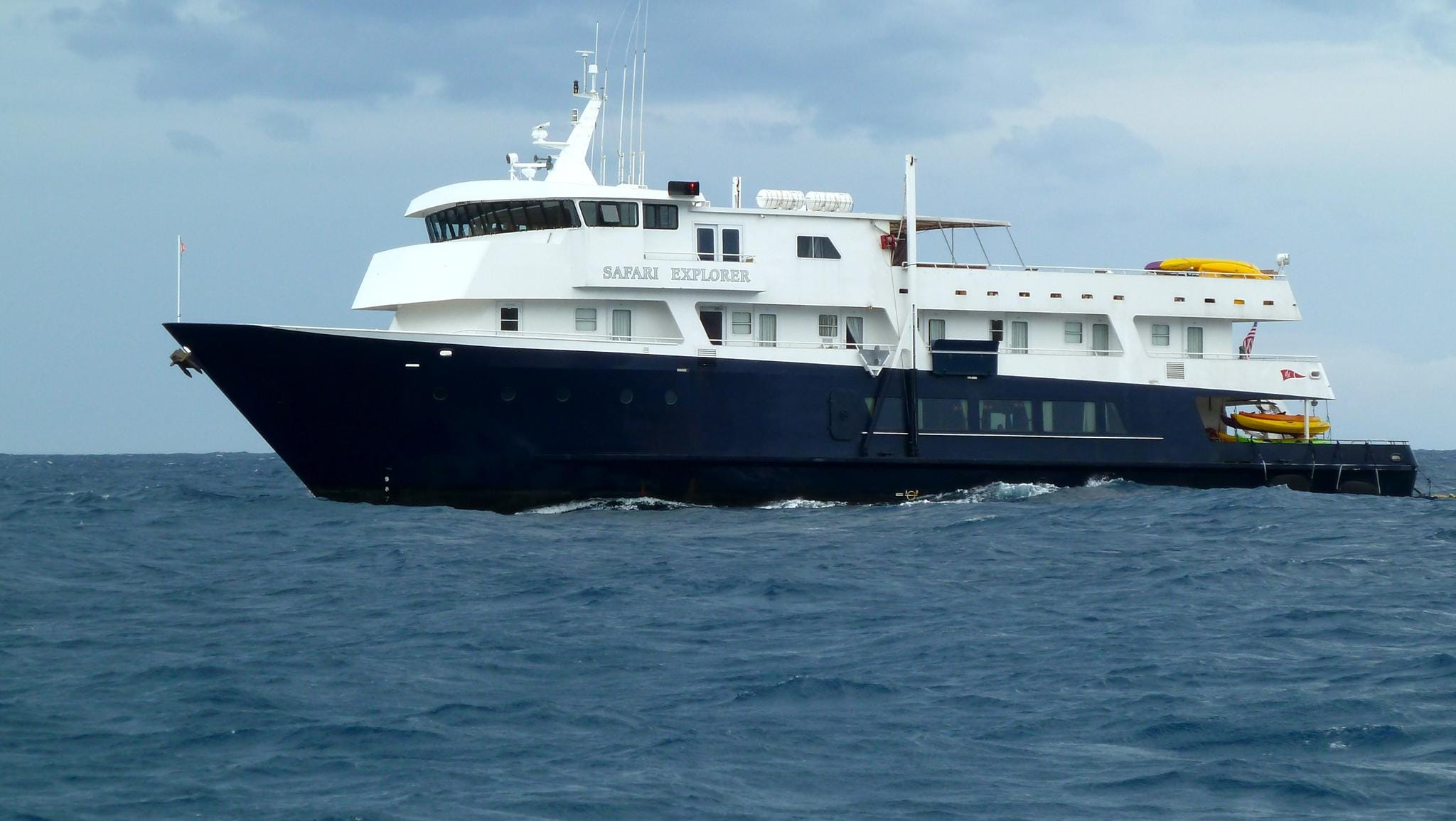 In 2012, the Safari Explorer began a new seven-night winter Hawaiian itinerary, sailing between Lana'i and the big island of Hawai'i with an emphasis on Hawaiian culture and marine life.