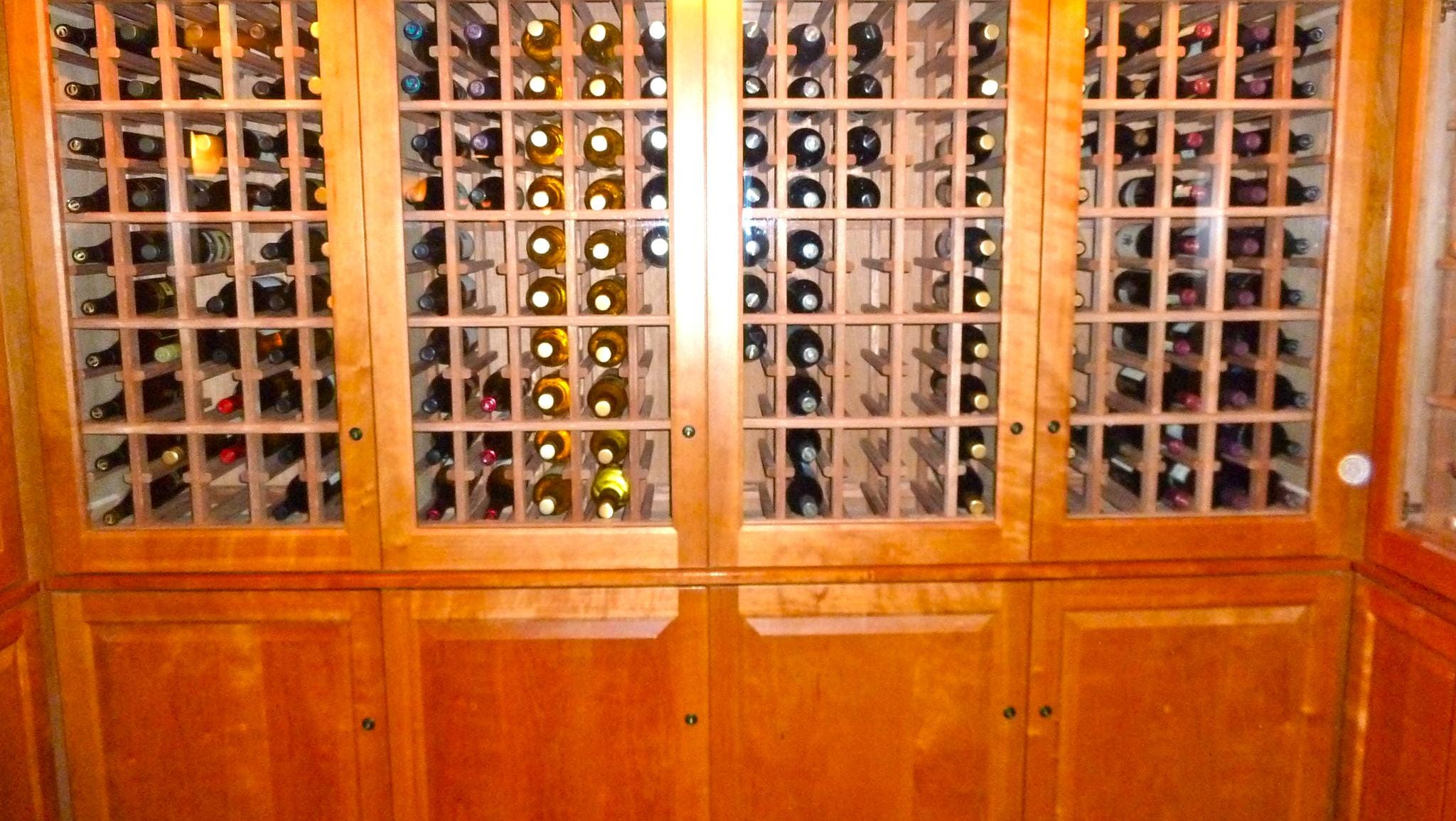 In addition to the wines, micro-brew beers and liquor served at the bar, there is a cabinet with a wide selection of included-in-the fare vintages.