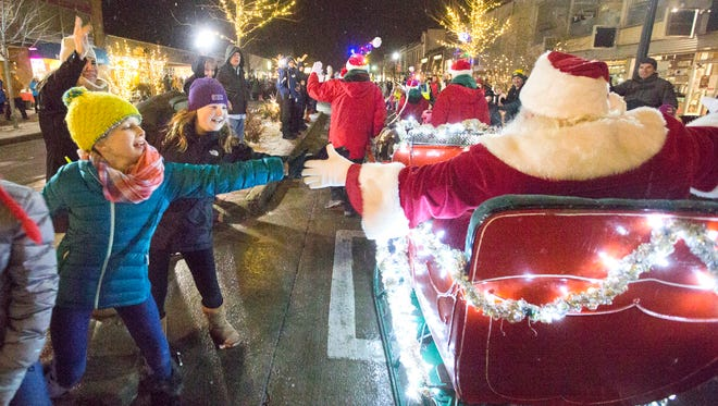 There's no shortage of chances to meet Santa as he takes time out of his busy schedule to park his sleigh around the Milwaukee area this year.