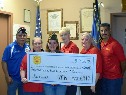 636413334439181611-VFW-Post-6917-Donates-to-Honor-Flight-of-SNM.JPG