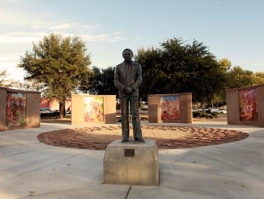 636459151434755289-Albert-Johnson-Monument.jpg