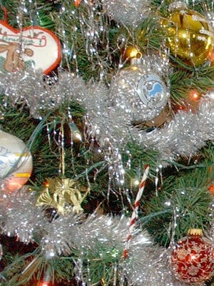 As the Christmas season wraps up, area families need to prepare to recycle live trees.