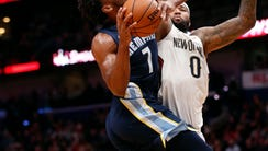 Memphis Grizzlies guard Wayne Selden (7) goes to the