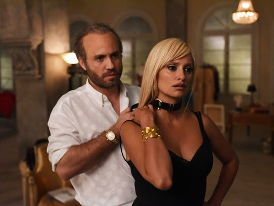 Edgar Ramirez as Gianni Versace and Penelope Cruz as