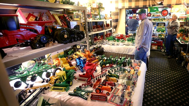 The 37th annual Lafayette Farm Toy Show wrapped up a three-day stand at the Crowne Plaza hotel at Indianapolis International Airport on Sunday. The second-oldest hotel farm toy show in the U.S. was also the site of a benefit auction for 7-year-old Kale Galloway, a Waynetown boy who has been treated for cancer.