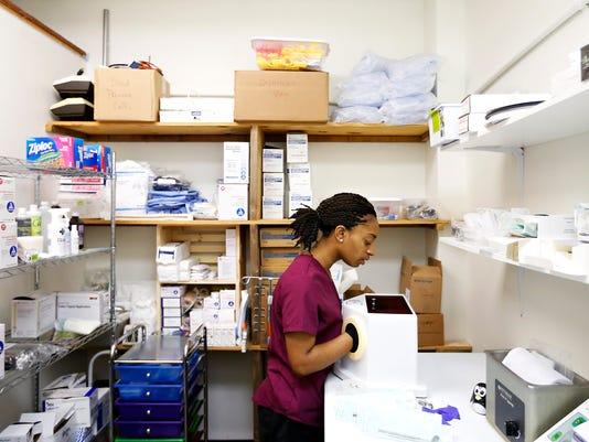 635878489315194564-Hernandez-Clinic-02.jpg