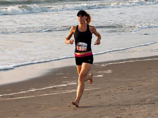 24 2016 USA Bch Run Champ Richard Thomson