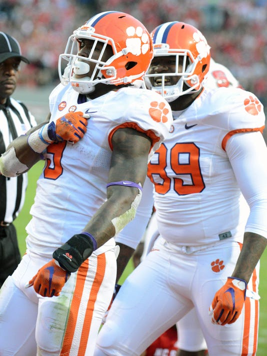 USP NCAA FOOTBALL: CLEMSON AT NORTH CAROLINA STATE S FBC USA NC