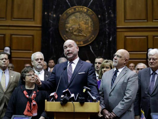 636210996432921199-Indiana-Legislature-Roll-1-.jpg