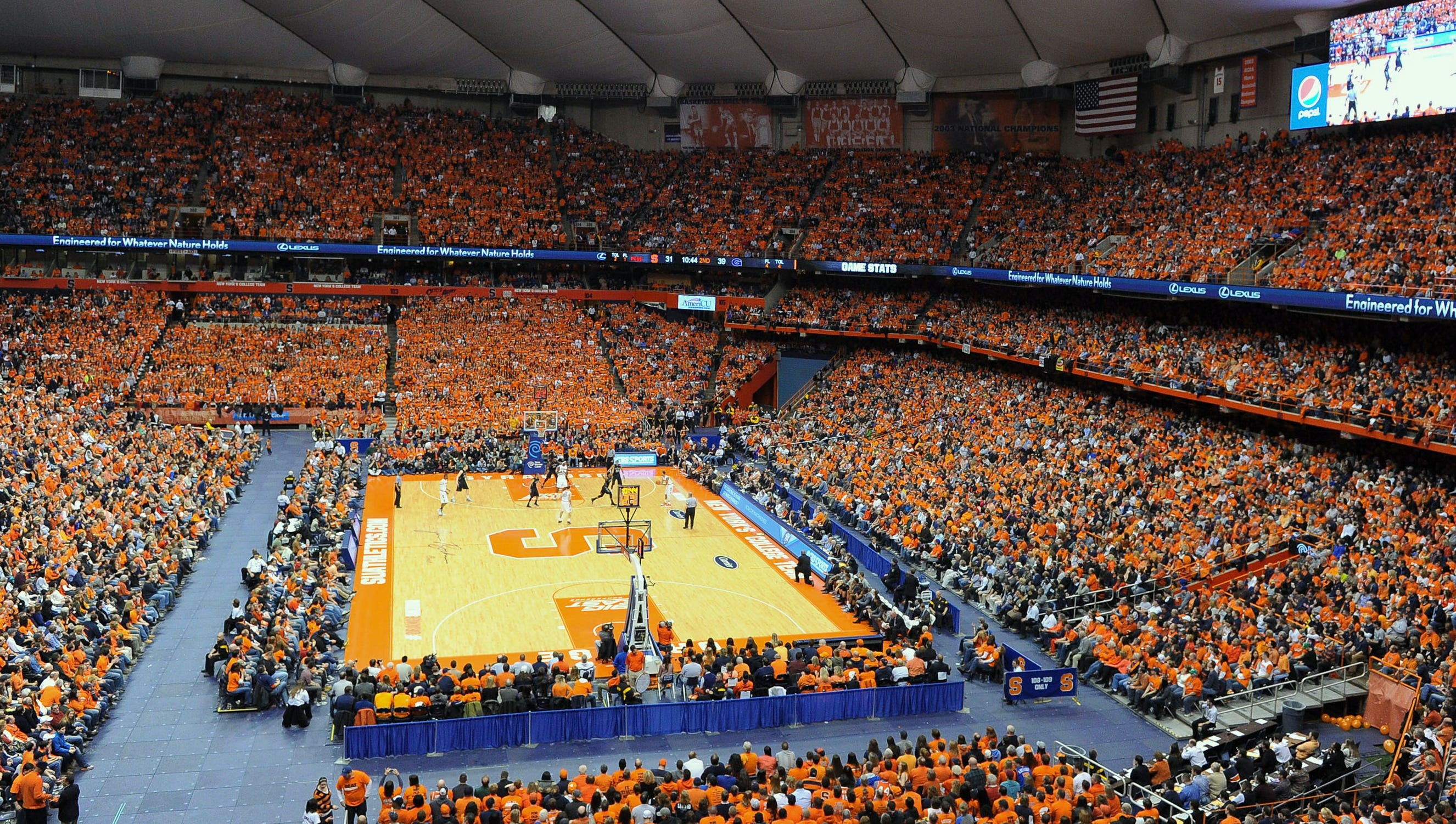 Syracuse Won T Move Court To Middle Of Carrier Dome For Duke