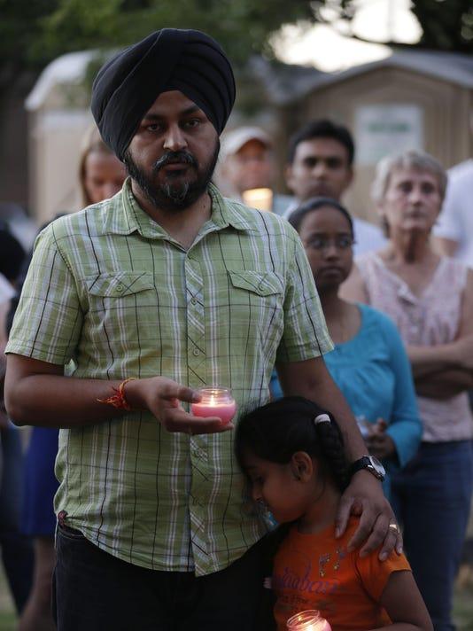 635743128044060006-APCBrd-08-06-2012-Crescent-1-A006--2012-08-05-IMG--Sikh-Temple-Shootin-1-1-C720NEJS-IMG--Sikh-Temple-Shootin-1-1-C720NEJS