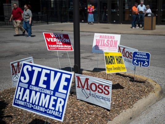 636614026620906160-JC-polls-02.jpg