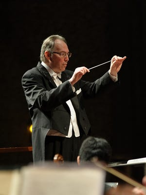 Sheboygan Symphony Orchestra Music Director and Conductor Kevin McMahon.